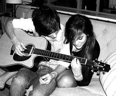 Guitare à deux